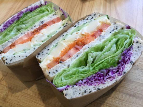 萌え断サンドイッチの包み方や食べ方は?簡単な作り方もご紹介!