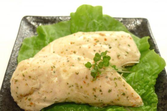 コンビニのサラダチキンの保存方法や賞味期限は?期限切れはいつまで食べられる?
