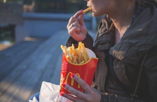 マックのポテトはじゃがいも何個分?エルサイズのカロリーは?太る?