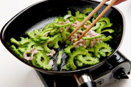 ゴーヤチャンプルの炒める順番は?基本の作り方とおすすめのレシピは?
