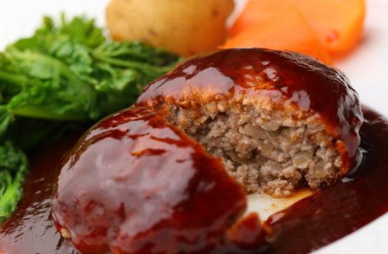 ハンバーグは合い挽きなのはなぜ?ひき肉の量や豚肉だけで作ると?!