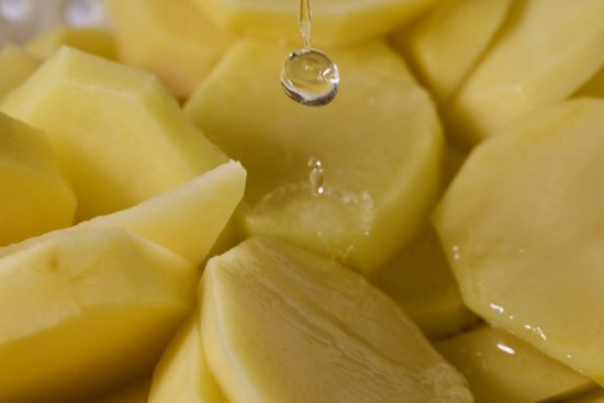 ポテトサラダが水っぽい原因は?ベチャベチャにならない方法やリメイク法は?